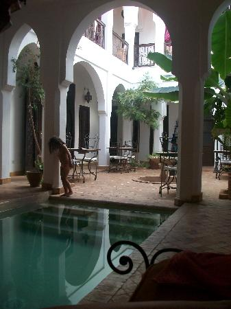 Riad Alwane: patio