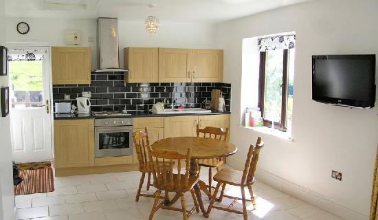 Quarlton Fold Farm: kitchen