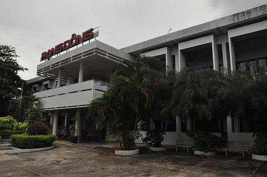 Rang Dong Hotel: extérieur