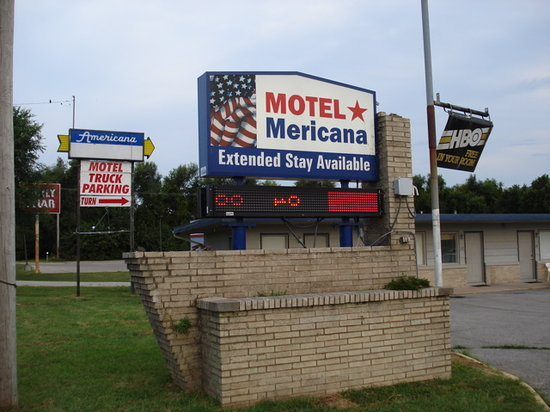 Rivers Inn Motel: Sign