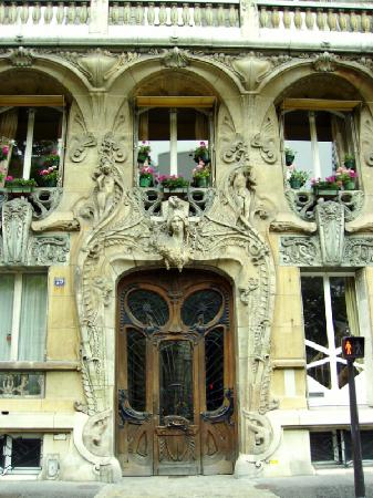 Paris, France: Art Nouveau ~ Ave Rapp