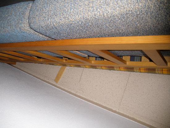 Apartamentos Primavera Loix: detras del sofa