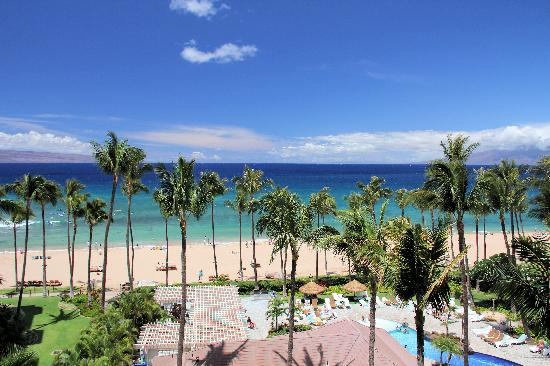 Kaanapali Alii: View to the west from our 7th floor room.