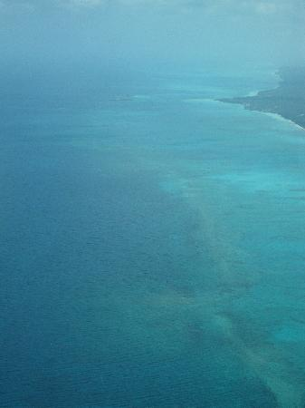 "Staniel Cay Yacht Club: The view of Andros from the flight and the ""Trench"""