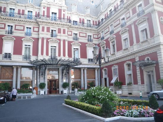 Biarritz hotel du palais building picture of hotel du - Prix chambre hotel du palais biarritz ...