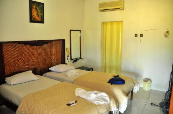 Hotel Rajasa: Superior room with A/C