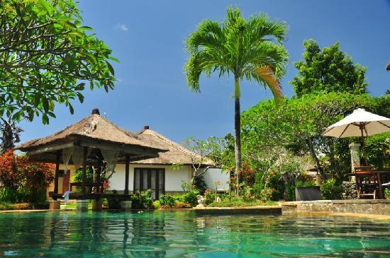 Mimosa Jimbaran Bali Villa : Public pool