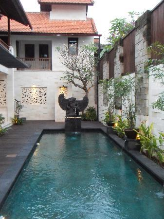 Cinta Inn: Piscine