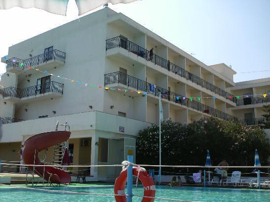 Hotel Club Helios: Piscina