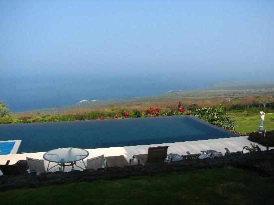 Horizon Guest House: Pool with great view