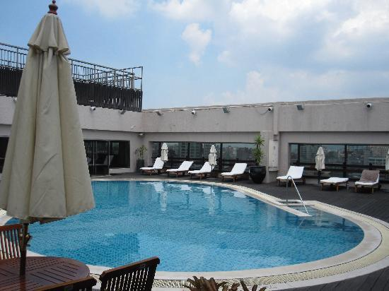 Sheraton Grand Taipei Hotel Rooftop Pool