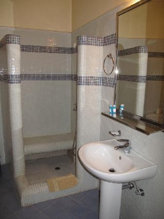 Exis Boutique Hotel: bathroom