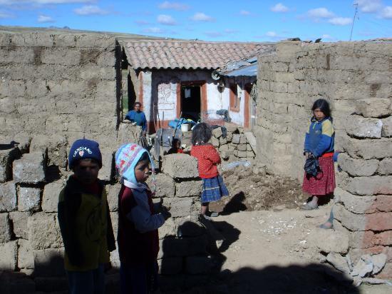 Cusco, Pérou : Kids am Fusse des Ausangate