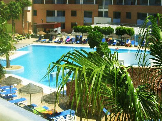 Hotel Neptuno: Piscina grande
