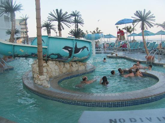 Hilton Suites Ocean City Oceanfront: area with whirlpool/cyclone effect, water slide