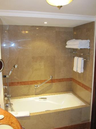 JW Marriott Hotel Caracas: Bathroom 2