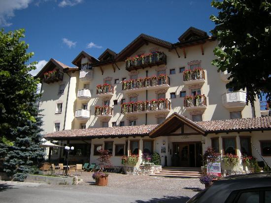 Corona Dolomites Hotel Andalo: L'Hotel