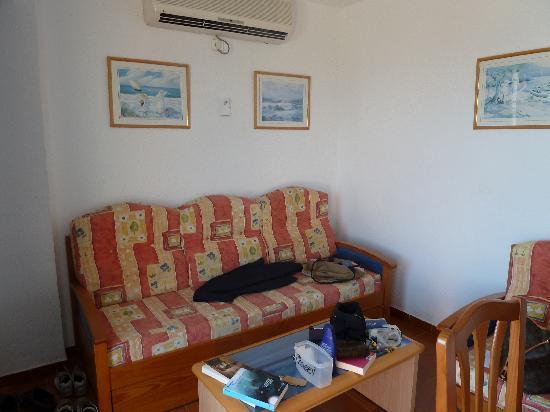 Hotel Apartamentos Portu Saler: inside