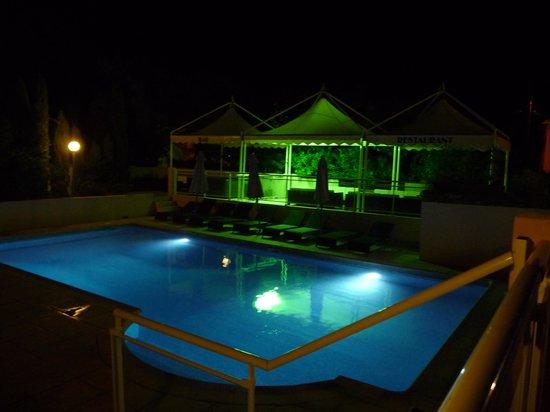 Kilina Hotel :                                                       un soir d'été