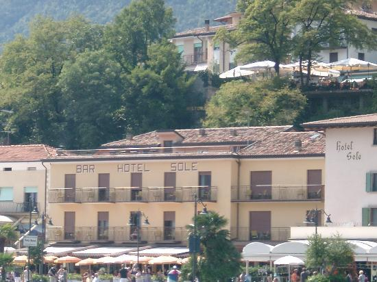 Hotel Garni Sole: View of hotel from ferry