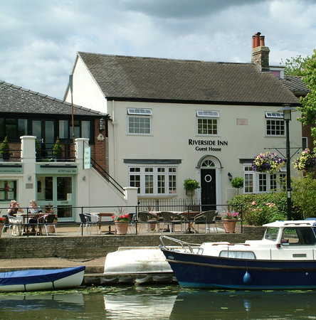 Ely, UK: Front of Riverside Inn