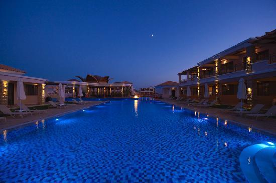 La Marquise Luxury Resort Complex: Lagoon aera