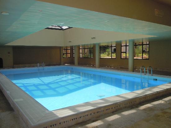 بارك إن أوليس ريزورت أند ثالاسو، جربة: piscine intérieure