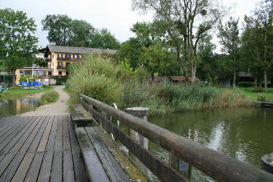 Gasthof Hotel Seehof: Blick vom Bootssteg