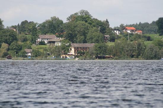 Gasthof Hotel Seehof: Auf dem Chiemsee mit dem Ruderboot