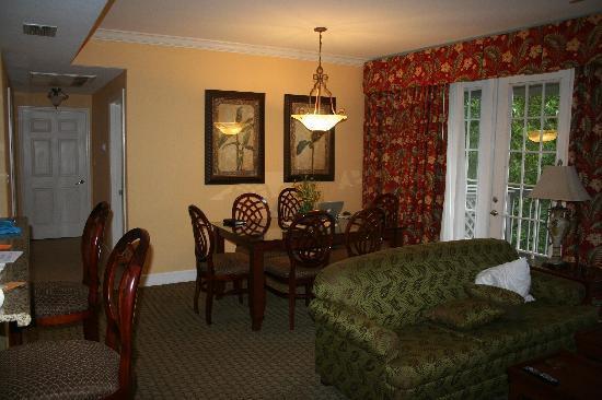 Royal Dunes Resort: dining area