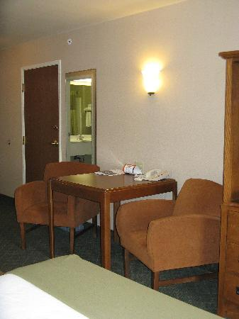 Holiday Inn Express Logan: King Room Furnishings 2