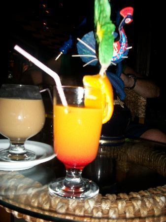 Utopia World Hotel: cocktail