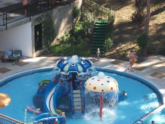 Utopia World Hotel: pool