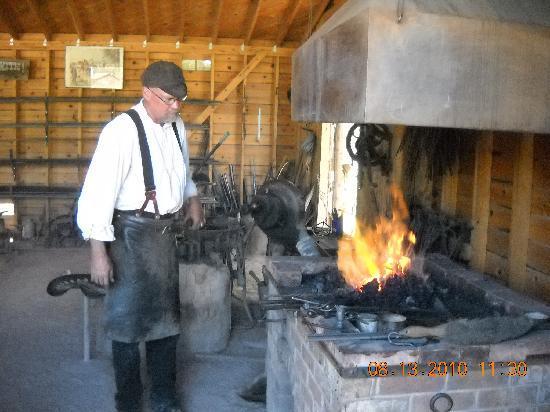 Rock Ledge Ranch Historic Site: Working blacksmith shop