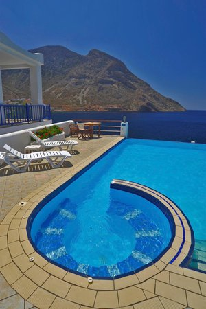 Kamares, Grecia: Spa, Pool and Aegean