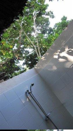 Oyster Island Resort: bathroom