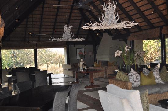 Lion Sands River Lodge: Lounge