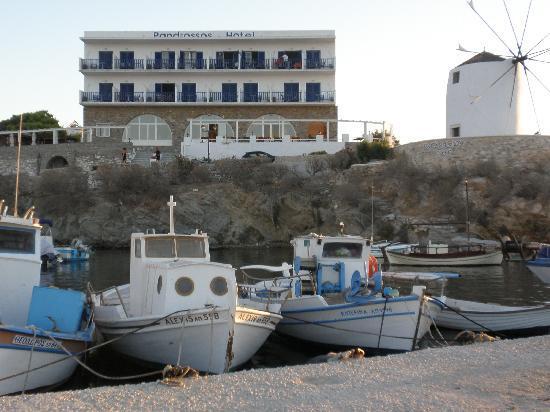 Pandrossos Hotel: Perfekt, romantisk beliggenhet!