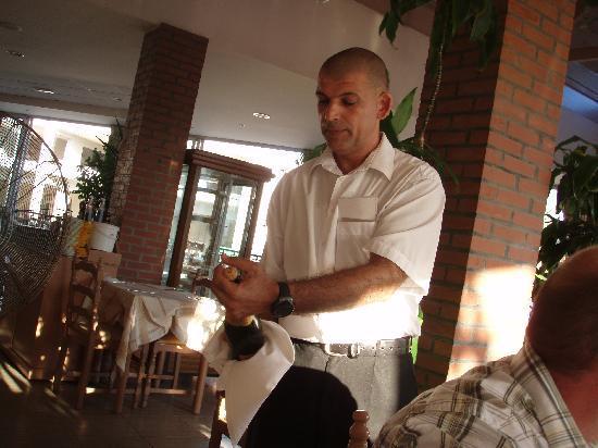 Olympus : Boss-waiter