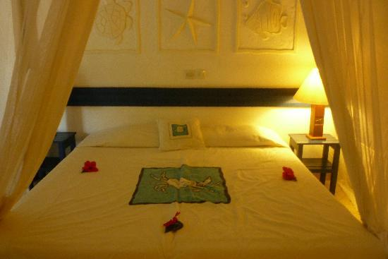 Pinewood Beach Resort & Spa: Our bed