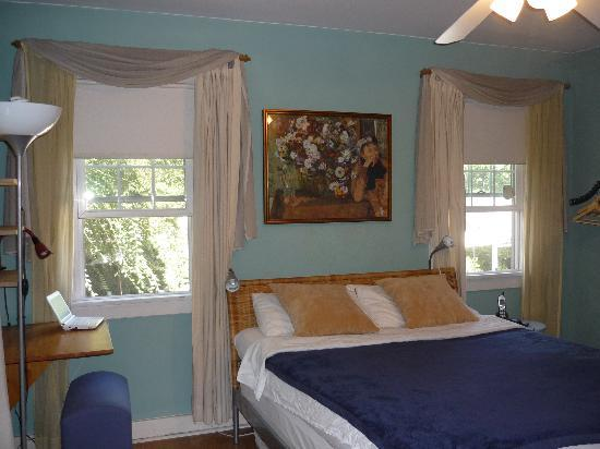 Sanborn Guest House: room