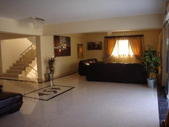 Socrates Luxurious Studios & Apartments : ingresso