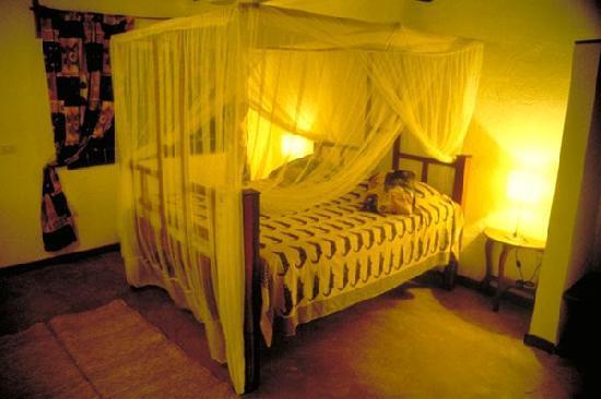 Chapwani Private Island: our room: small & cozy