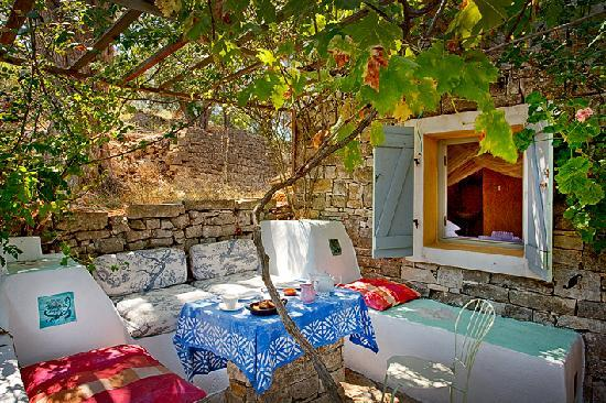 "Longós, Grecia: outside the ""Summer House"""
