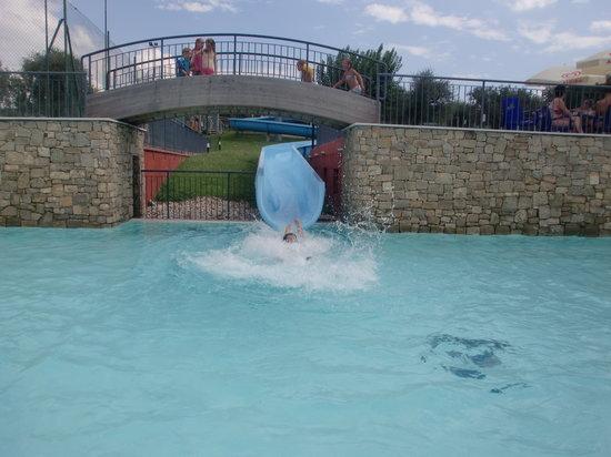 Una delle piscine picture of camping park delle rose for Camping queyras piscine