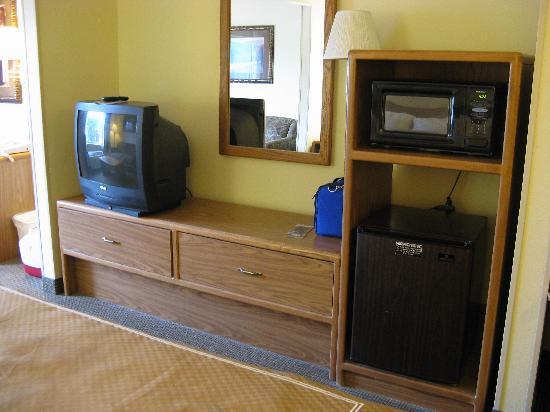 Holiday Inn Express Charleston/Kanawha City: King Room Furnishings 2