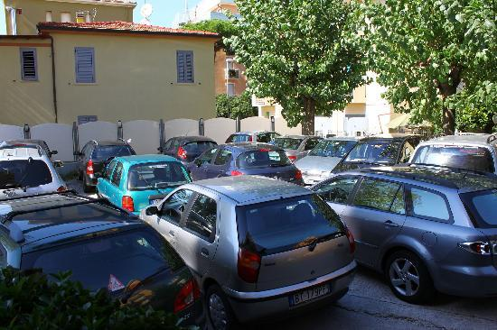 Bellariva, Italy: Parking places