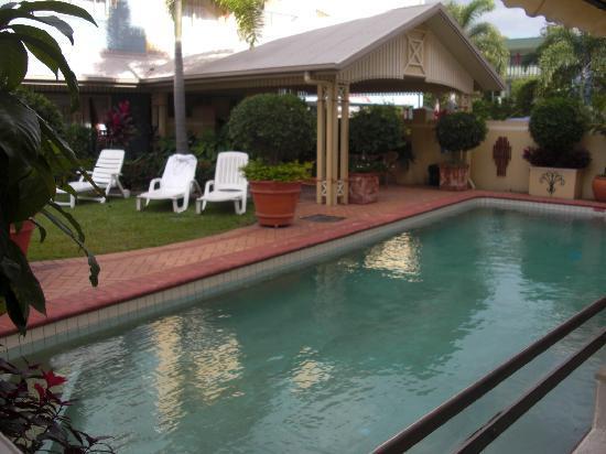 Cairns Queens Court: Pool area