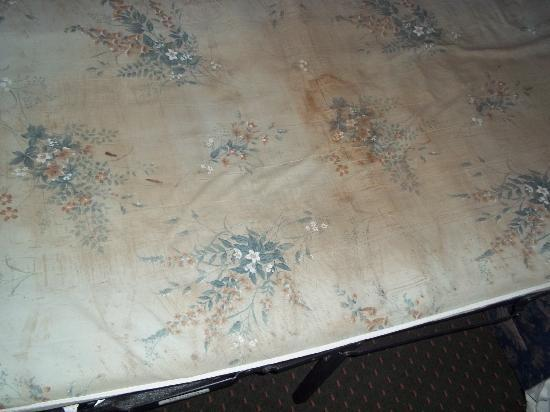 Red Roof Inn & Suites Bossier City: Nasty Matress!!!