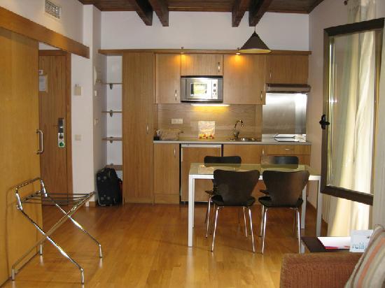 Aparthotel Augusta: Comedor/ Cocina 1